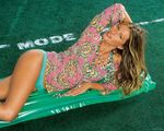 Gisele_Bundchen_by_Lord_Golberg_(14).jpg